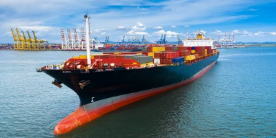 Transport morski – wady i zalety takiego rozwiązania